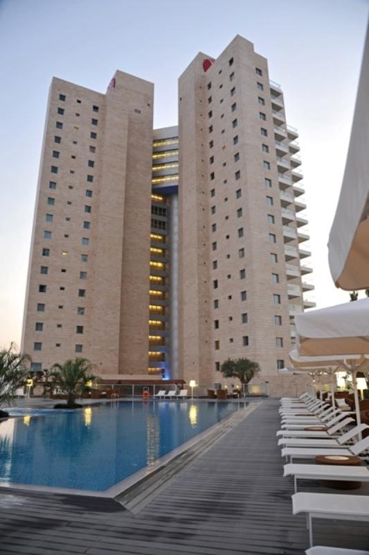 Ramada Hotel&Suites